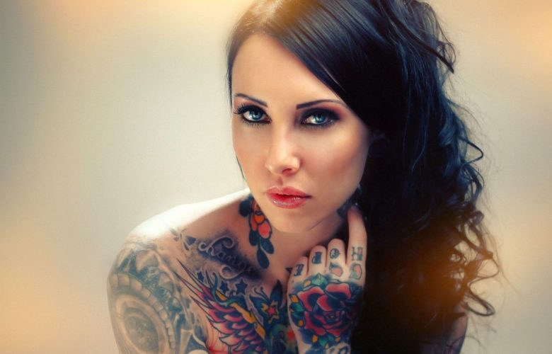 7025798-girl-tattoos